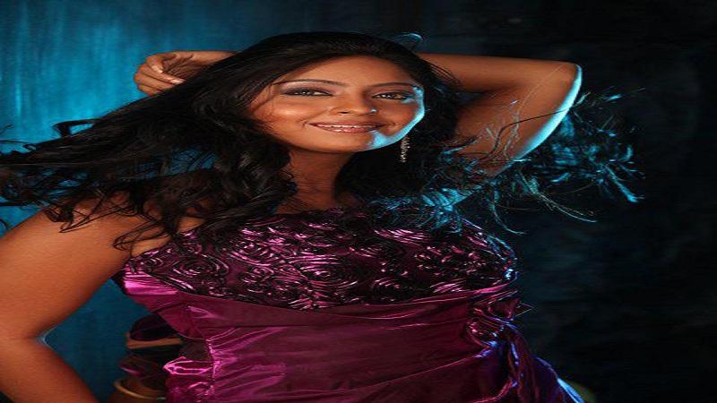 हेल्दी इंटरटेंमेंट वाली फिल्म है  'एक साजिश जाल' : शुभी शर्मा