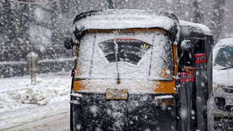मौसम विभाग का अलर्ट, पहाड़ों पर फिर बर्फबारी, इन राज्यों में लौट सकती है सर्दी!