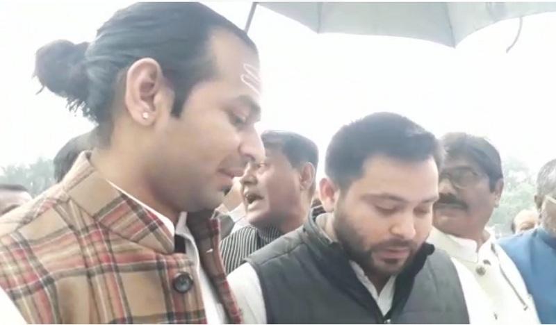 विधानसभा में राजद और बीजेपी विधायकों में हुई हाथापाई, तेजस्वी ने एनपीआर-सीएए पर सीएम को घेरा