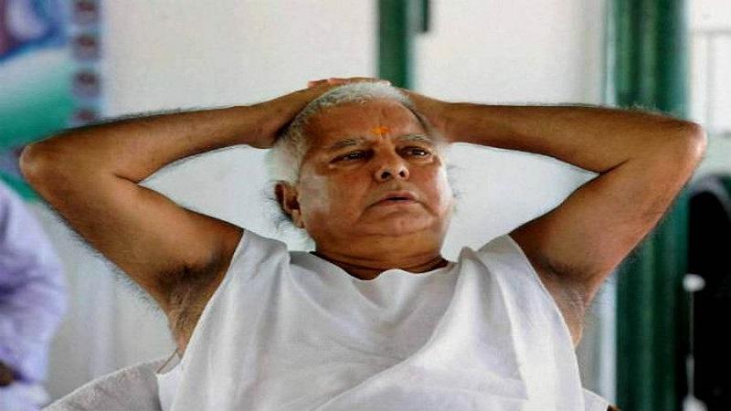 भाई वीरेंद्र ने कहा-बकरे की अम्मा कब तक खैर मनाएगी- लालू के बाहर आते ही बिहार के सत्ताधारी अपनी सरकार नही बचा पाएंगे