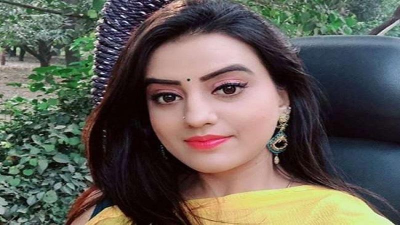 लगातार तीसरे हफ्ते भी बॉक्स ऑफिस पर चल रहा है अक्षरा सिंह की फिल्म 'लैला मजनू' का जलवा