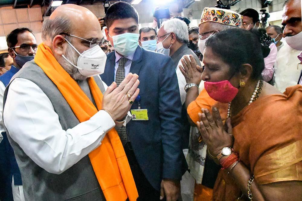बिहार के दोनों डिप्टी सीएम की अमित शाह से मुलाकात, आज प्रधानमंत्री से हो सकती है मुलाकात