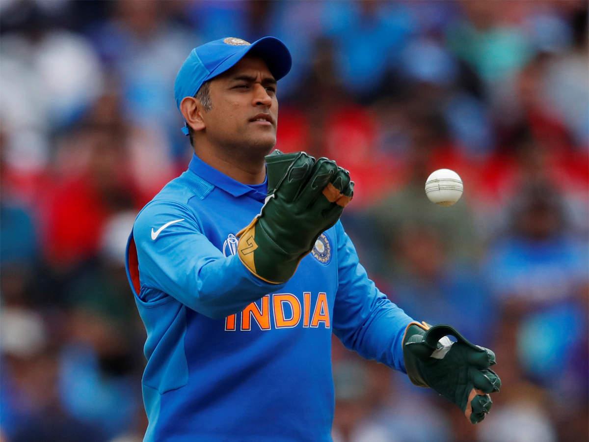 एमएस धोनी बने आईसीसी के वनडे और टी 20 आई टीमों के कप्तान