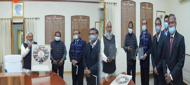 मुख्यमंत्री नीतीश कुमार ने जारी किया नए साल का कैलेन्डर , सूबे वासियों को दी शुभकामनाएं